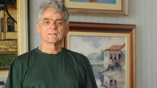"""Arthur Otto: """"O livro traz as cores do Brasil, que são maiores que qualquer outra bandeira"""""""