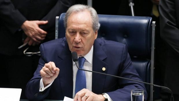 Ricardo Lewandowski preside a sessão plenária que decide se Dilma Rousseff será levada a julgamento por crime de responsabilidade | Foto: Reprodução / Lula Marques / Agência PT