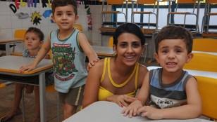 Alunos da professora Raquel Sousa, do CMEI Thaíse Freire, disseram que adoram estudar e desenhar