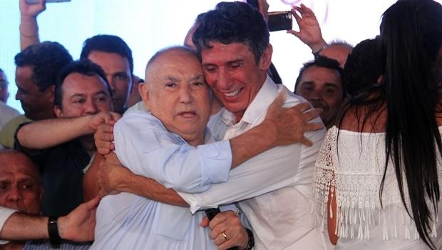 O ex-governador Siqueira Campos e Raul Filho durante convenção na última sexta (5/8)