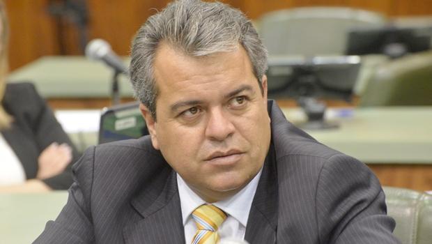 Ernesto Roller diz que Prefeitura de Formosa deve 200 milhões de reais
