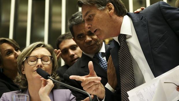 Bolsonaro discute com a deputada Maria do Rosário durante comissão geral, no plenário da Câmara dos Deputados | Foto: Marcelo Camargo/Agência Brasil