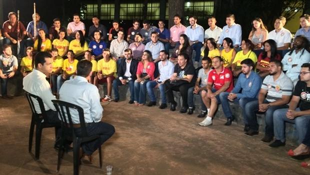Candidato a prefeito Vanderlan Cardoso (PSB) e candidato a vice Thiago Albernaz (PSDB) participaram de conversa com representantes da juventude goianiense   Foto: Divulgação
