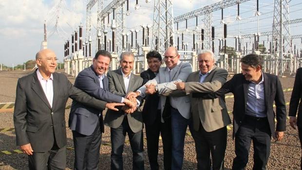Marconi, Azambuja e autoridades durante a inauguração da subestação da Celg GT em Campo Grande (MS)