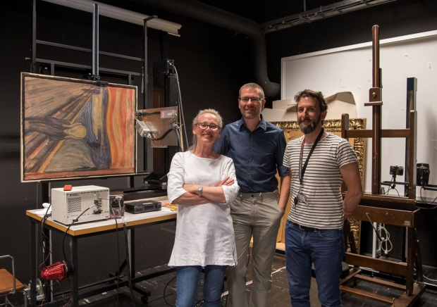 Tine Frøysaker, Geert Van der Snickt e Thierry Ford: cientistas que desvendaram o enigma da pintura de Munch,