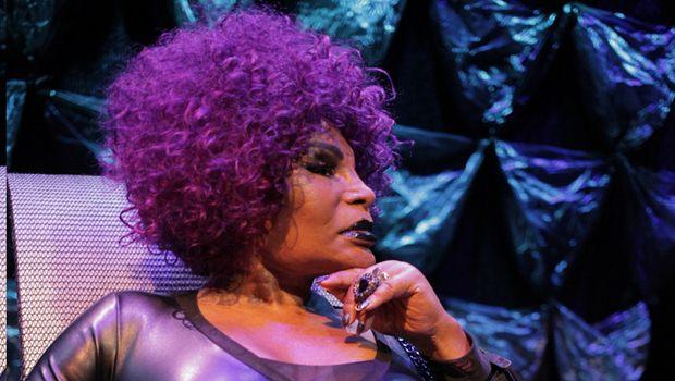 Elza Soares, a diva brasileira, faz show em Goiânia