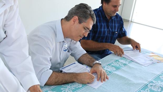 Francisco Jr. promete concluir Paço Municipal