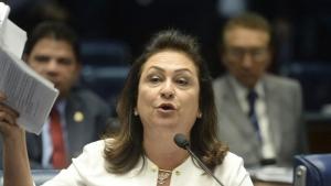 """Senadora Kátia Abreu """"esqueceu"""" que Dilma Rousseff guarda dinheiro em casa"""