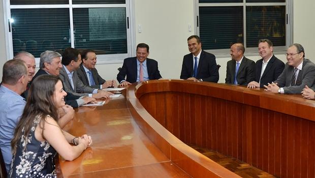 Em reunião com governo, executivos da Dudalina anunciam investimentos em Goiás