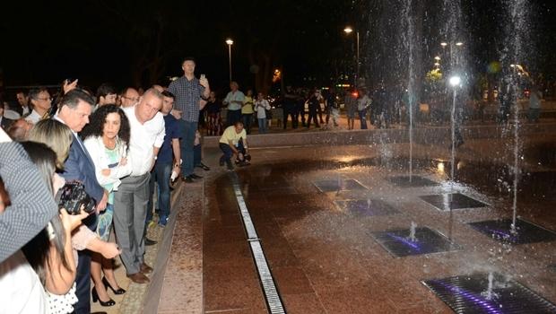 Fontes luminosas, entregues na última quarta-feira (31/9) são a última etapa das obras de revitalização da Praça Cívica | Foto: Divulgaçãp Gabinete Imprensa