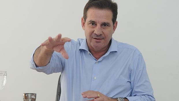 Vanderlan Cardoso: o candidato do PSB a prefeito de Goiânia pode fazer aquilo que o vilelismo não ousa fazer — aposentar, de vez, o decano peemedebista Iris Rezende; e, se o fizer, fortalece os dois Vilelas
