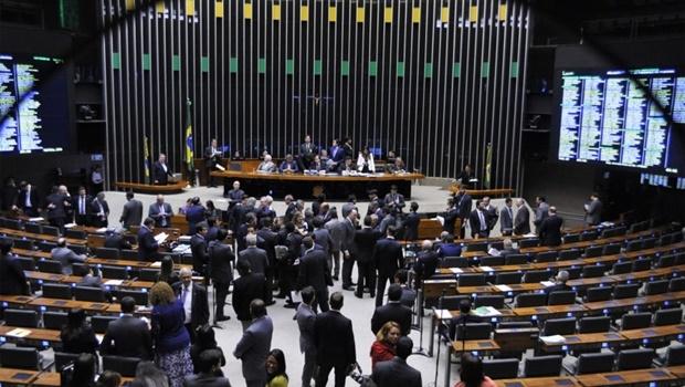 Brasília- DF- Brasil- 10/10/2016- Sessão para análise e votação da Proposta de Emenda à Constituição (PEC) 241/16, que limita as despesas primárias da União ao que foi gasto no ano anterior corrigido pela inflação. Foto: Alex Ferreira/ Câmara dos Deputados