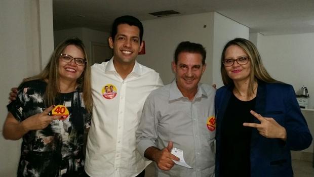 Fabia Oliveira, Thiago Albernaz, Vanderlan e Fabiana Oliveira: as gêmeas criaram o app