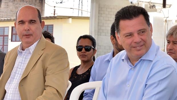 Fernando Navarrete e o governador   Foto:  Eduardo Ferreira