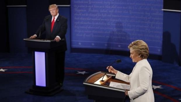 Hillary Clinton e Trump fazem último debate antes das eleições dos EUAMark Ralston/Agência Lusa