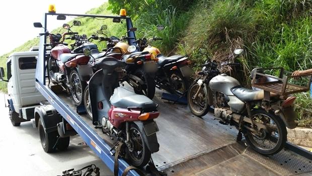 Motos com documentação vencida foram apreendidas | Foto: Reprodução