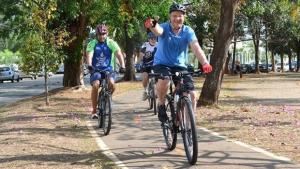 Prefeito Paulo Garcia e a bicicleta: a malha cicloviária deve ser seu legado para a Goiânia do futuro | Foto: Divulgação