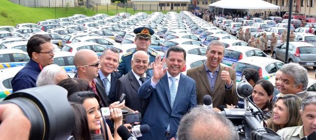 Governador entrega novas viaturas   Foto: Eduardo Ferreira