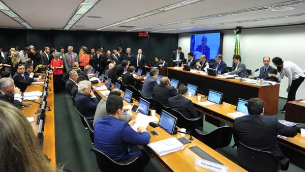Medidas contra a Corrupção são votadas em comissão da Câmara sob polêmica