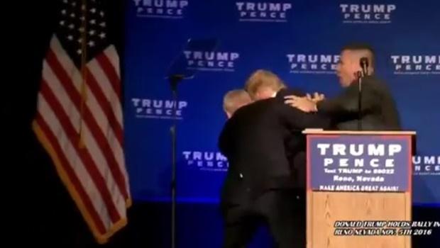 Trump é tirado do palco pelo Serviço Secreto durante discurso em comício