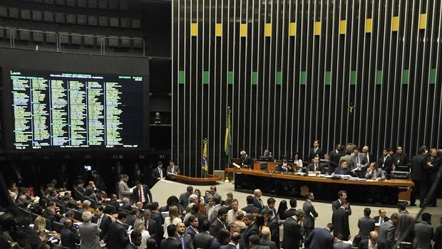 Sessão de votação do projeto e alterações foi encerrada apenas às 4h18 da manhã   Foto: Luis Macedo / Câmara dos Deputados