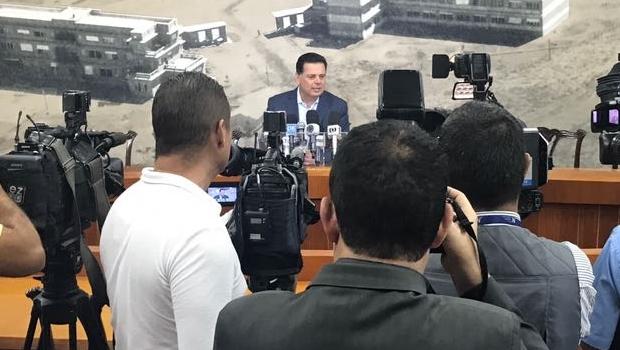 Governador durante anúncio