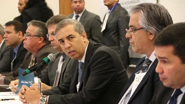 José Eliton durante 4º Encontro do Pacto Integrador de Segurança Pública Interestadual e 64ª Reunião do Consesp | Foto: Jota Eurípedes