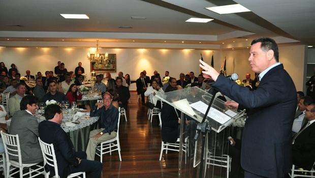 Governador durante jantar no Palácio