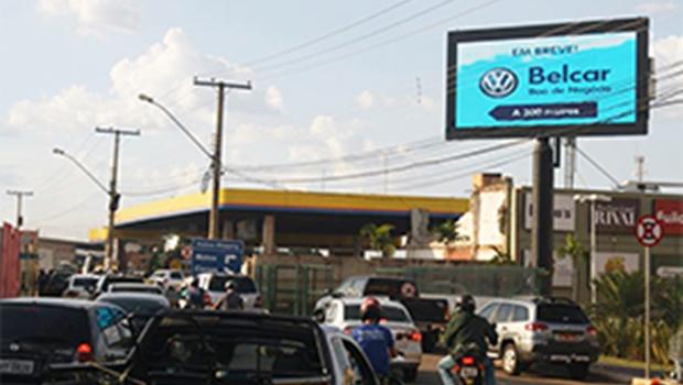 Câmara discute novas regras para outdoors e painéis de LED em Goiânia
