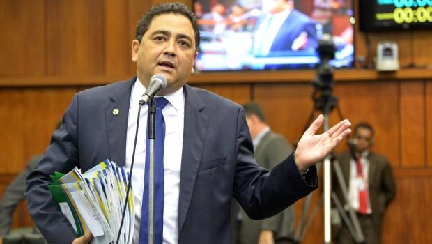 Talles Barreto diz que governador ainda não escolheu novo líder e está na disputa