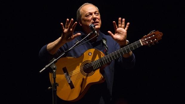 Toquinho durante apresentação em 2014 | Foto: Luciano Lanes / PMPA