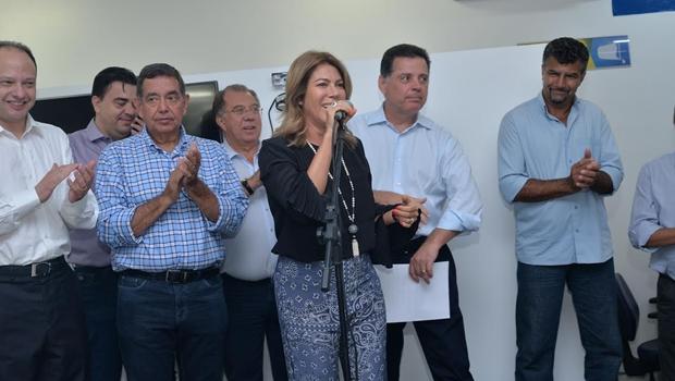 Marconi e Valéria Perillo inauguram primeiro Vapt Vupt de Pirenópolis
