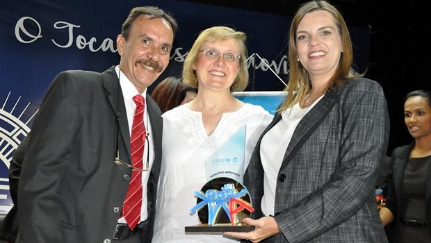 Vice-governadora recebeu certificado   Foto: Governo do Tocantins