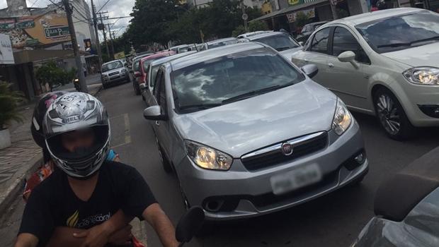 Movimentação no comércio causa congestionamentos em Goiânia