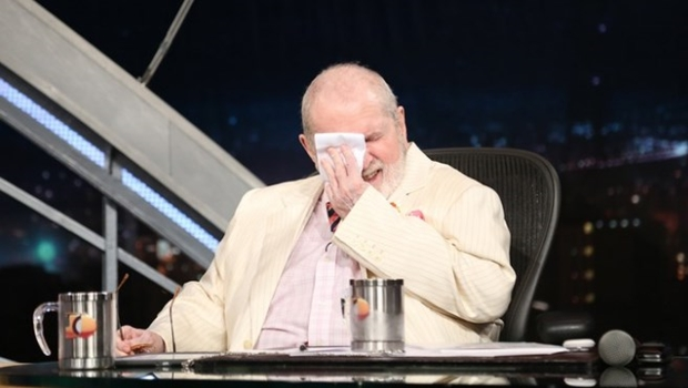 Emocionado, Jô Soares dá adeus ao seu talk-show na Globo e agradece a Silvio Santos
