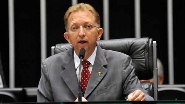 Líderes do partido da Assembleia de Deus querem o passe do deputado federal João Campos