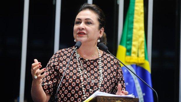 Kátia Abreu (PMDB-TO) foi relatora da Comissão Especial do Extrateto no Senado | Foto: Moreira Mariz/Agência Senado