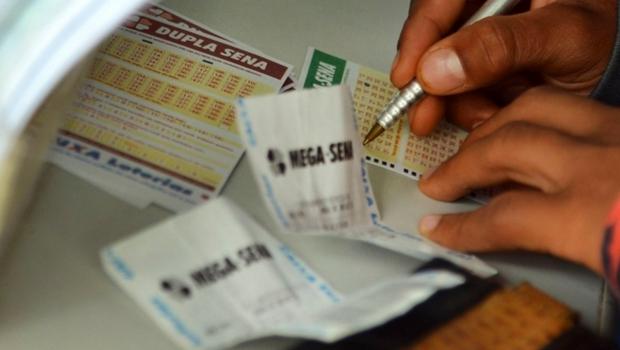 Mega-Sena pode pagar R$ 29 milhões a quem acertar as seis dezenas