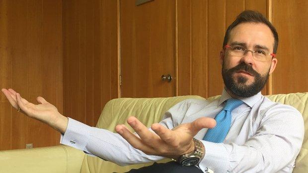 Presidente Lúcio Flávio de Paiva Siqueira recebeu o repórter Alexandre Parrode na sede da OAB-GO