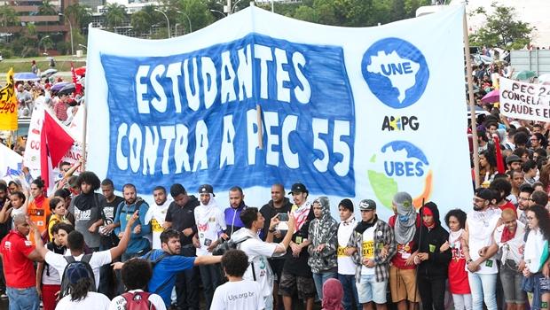 Datafolha: 60% dos brasileiros são contra a PEC do Teto de Gastos