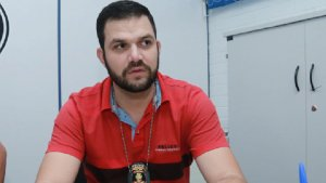 Agente Wendel Souza lembra que foram muitos os dias que trabalhou além do expediente para evitar que novas mortes acontecessem | Fotos: Fermando Leite / Jornal Opção