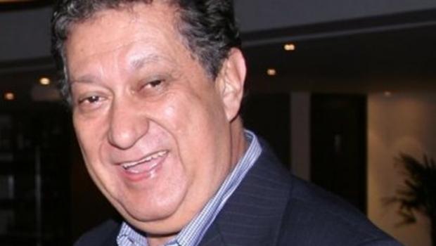 Programa Aplauso, apresentado por Arthur Rezende, deixa a TV Brasil Central