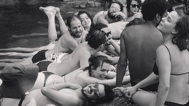 Atores globais fazem passeio nudista na Chapada dos Veadeiros