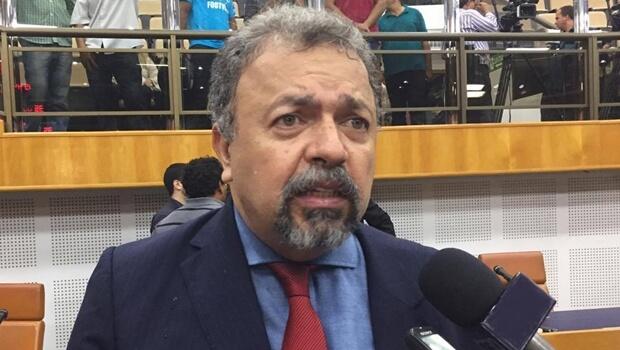 """""""Não podemos aceitar uma chapa eleita com influência do setor imobiliário"""", critica Elias Vaz"""