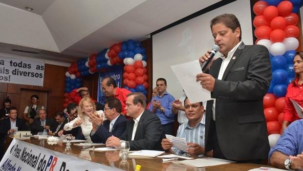 PR planeja apoiar José Eliton ao governo e bancar Magda Mofatto ao Senado em 2018