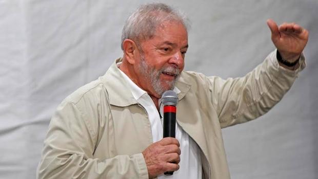 """Lula diz que PT precisa de novas lideranças """"mais espertas"""" que ele"""