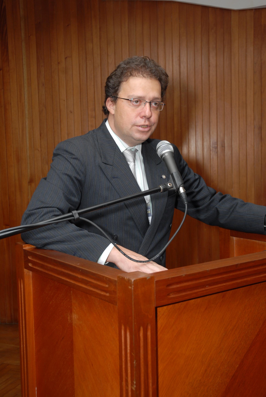 Professor da UFMG que denunciou plágio de Alexandre de Moraes foi promotor de justiça em Anápolis