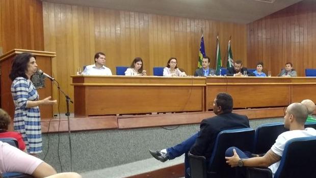 Vereadores cobram de secretária da Saúde respostas sobre falta de insulina em Goiânia