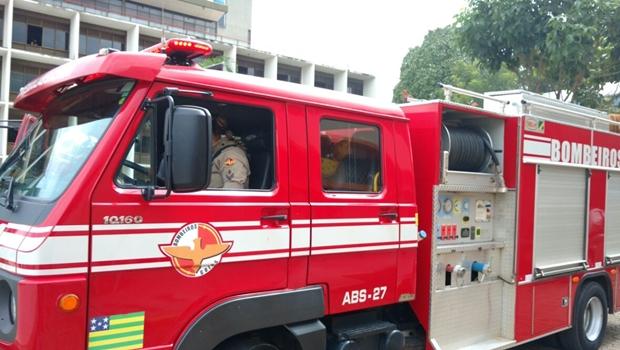 Corpo de Bombeiros controla princípio de incêndio na Avenida Araguaia