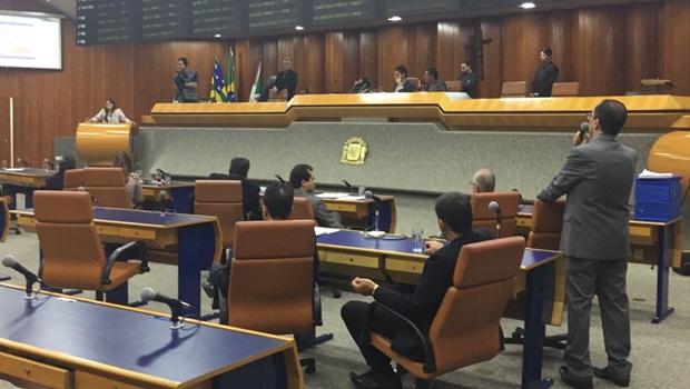Com áudio da PF, Sabrina Garcêz acusa Kajuru de receber dinheiro de Cachoeira